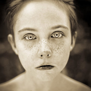 Freckles portrait photo by Fritz Liedtke